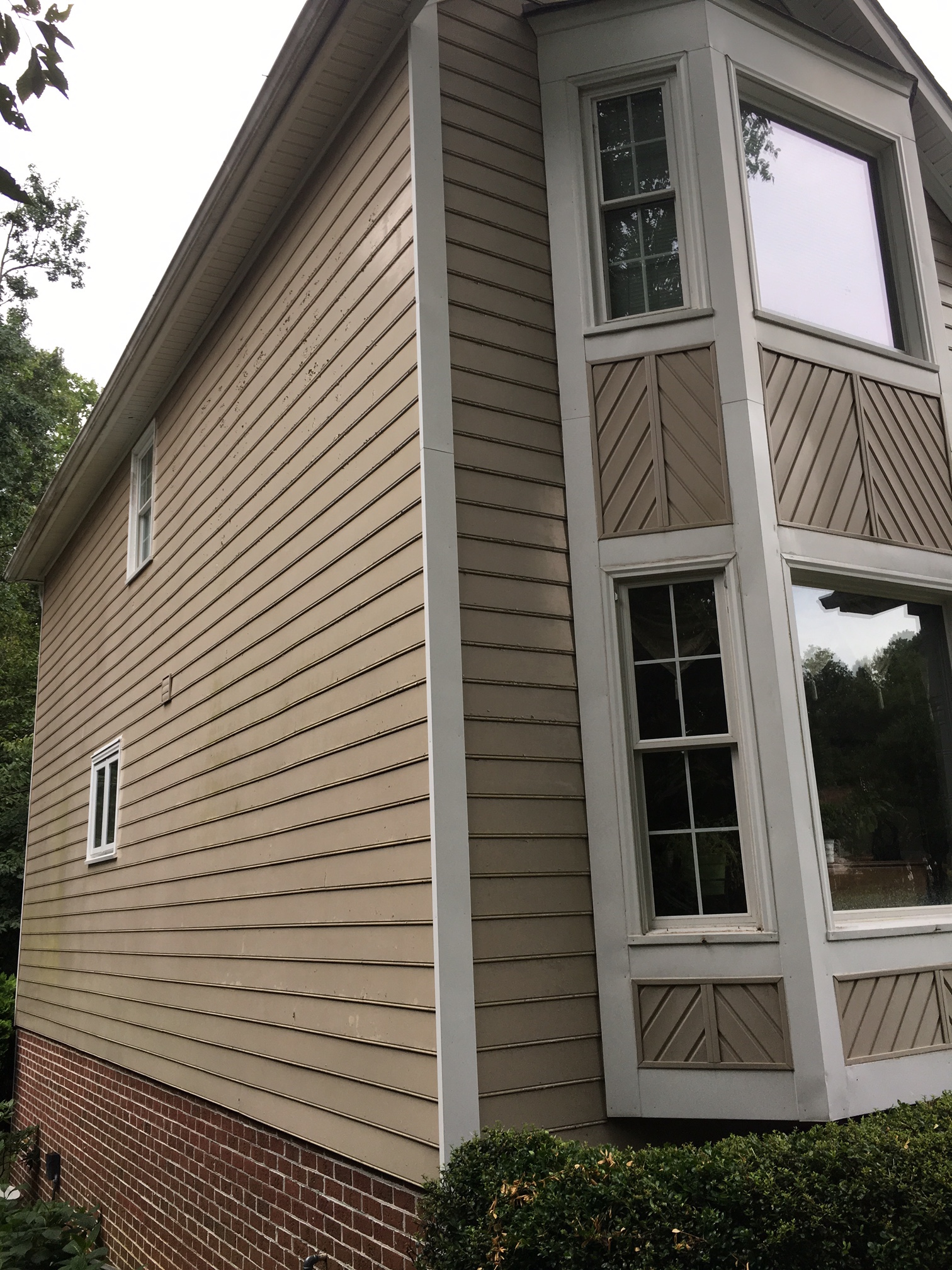 How to tell if i have masonite hardboard siding and what